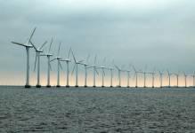 OZE przyszłością energetyki. W Europie szybko rozwija się energia wiatrowa, szczególnie farmy morskie